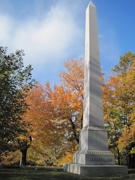Rockefeller Monument in Lake View Cemetery